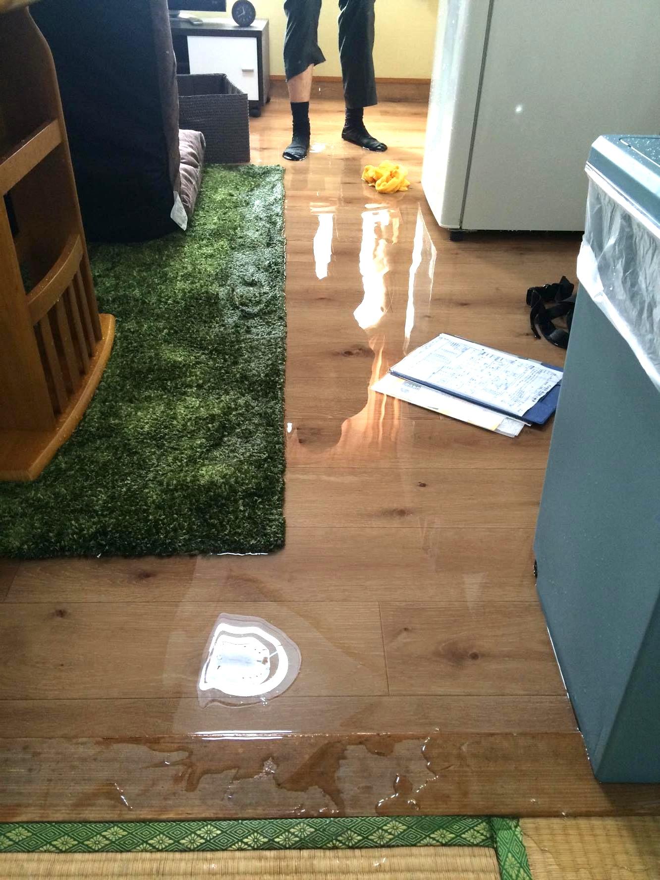 【水漏れ】開いちゃいけない所開いちゃいました。