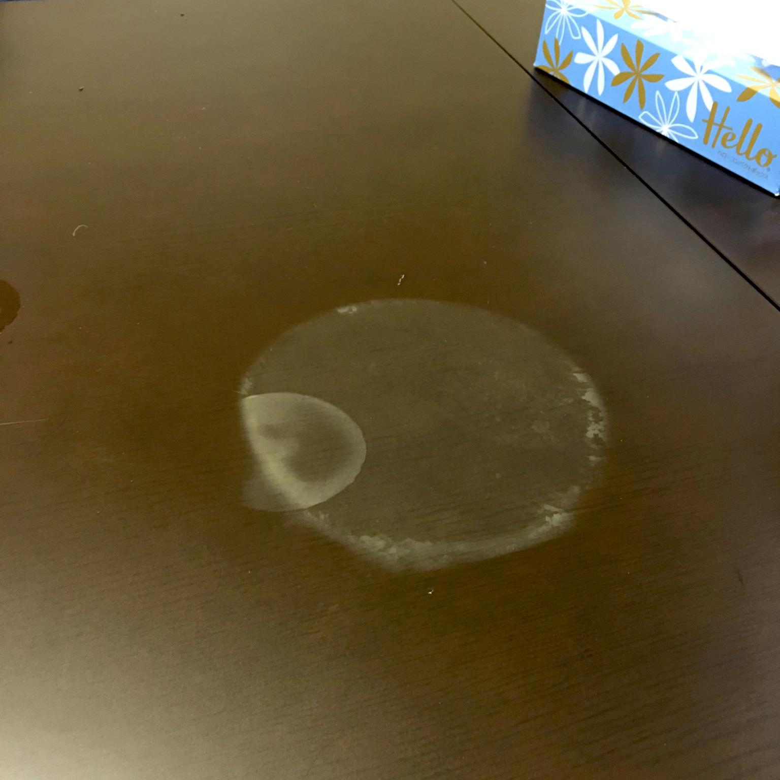 【損傷】熱々のラーメンの鍋直置きしちゃいました。